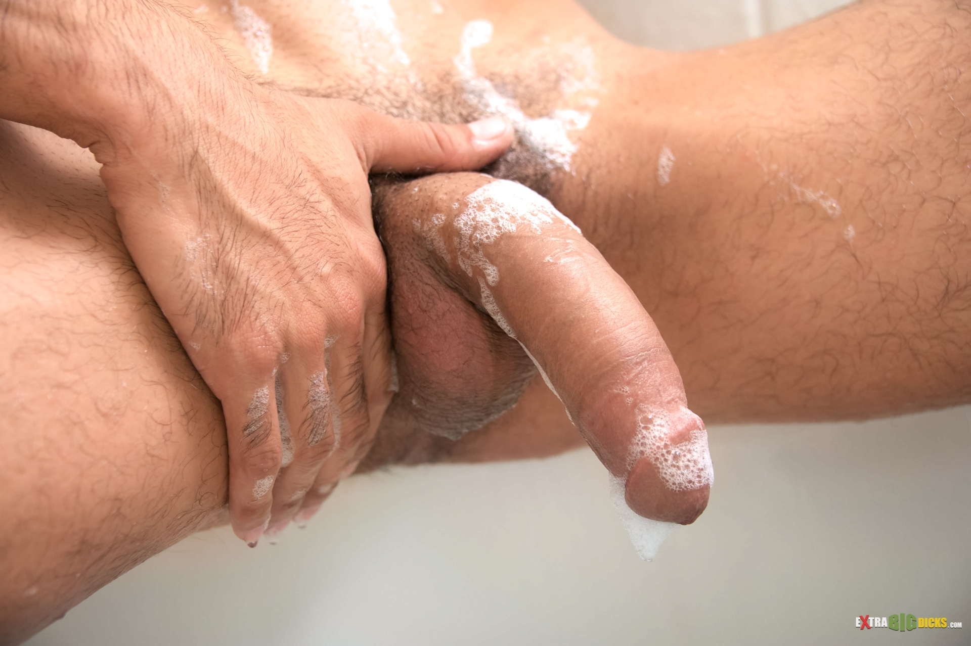 Free shower jerk off porn pics
