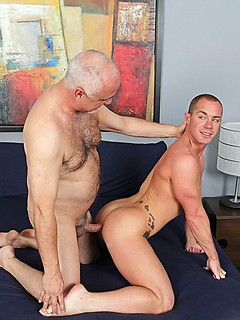 Horny dude Jake Cruise makes a friend happy by banging his tight asshole