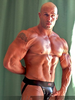 Super hunk Peter Latz has a world class body with incredible muscles and a lovely cock