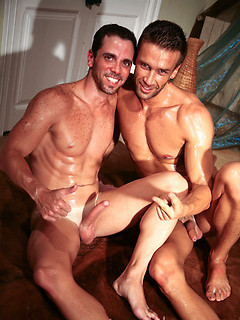 Kissing gay hunks with hard cocks blow and bone each other in a versatile gallery