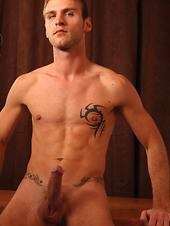Rafael Carreras wants to suck a stiff cock before drilling a friend's ass