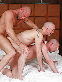Hot top with a pierced taint gets his dick serviced by two anal loving bottoms