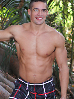Hot solo model Darius has a perfect body with a six pack and cut arms