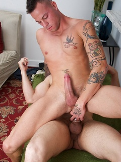 Muscular stallions Sean Duran and David Chase pleasure each other's big members
