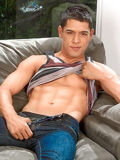 Bobby Hart is a sexy gay model with a gorgeous body he gladly shows fully naked